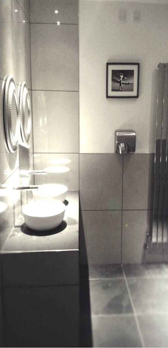 Indian Empire restaurant modern bathroom